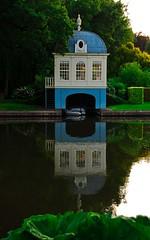 Theekoepeltje (Raymond Salvatore Geurtsen) Tags: old blue water netherlands river garden boot boat canal blauw garage victorian tuin thee koepel vecht geurtsen victoriaans