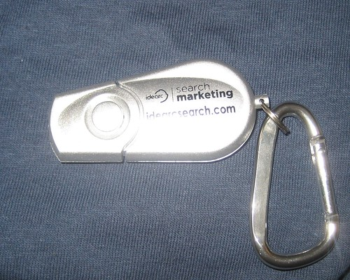 Idearchsearch LED Keychain