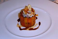 Crutaceos en Timbal de Zanahorias al comino y miel con sofrito de cebolla y tomate