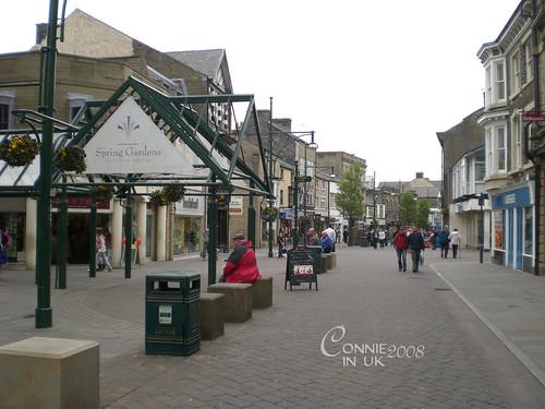 Buxton 繁忙的購物街道