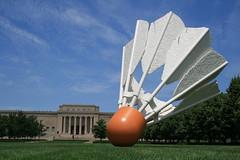 Giant shuttlecock (willsdad) Tags: sculpture geotagged kansascity popart shuttlecock geo:lat=3904273108105011 geo:lon=9458092019849823