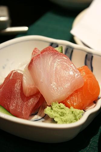 Mini sashimi trio
