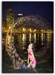 BCN: my round! (Piulet) Tags: barcelona light test laura luz water night noche agua flash bcn testing explore elite round soe aigua nit llum barna digitalcameraclub freephotos piulet anawesomeshot