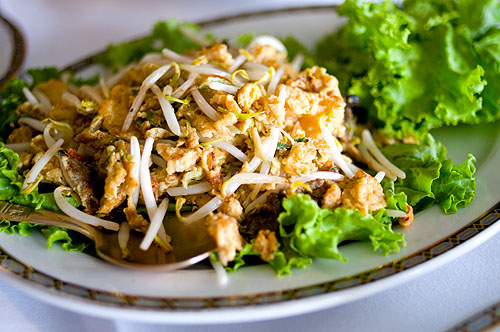Fish maw fried with egg and bean sprouts, Sorndaeng, Bangkok