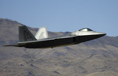 F-22 Raptor (EverydayTuesday) Tags: fighter aircraft nevada wwii jet fast pylon airshow raptor stealth f22 mustang reno usaf pilot warbird racer vos fenceline qualifying lockheedmartin stead airracing f22raptor hawkerseafury renoairraces stealthfighter canon70300is canonef70300mmf456isusm unlimitedclass pylonracing canon40d nationalchampionshipairraces valleyofspeed
