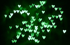 This hearts for you ( dragonflyriri  (Limited Flickr Time)) Tags: christmas holiday green lights heart bokeh img2821