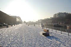 the canal (marginilo) Tags: winter brussels snow fun hiver bruxelles brussel sneeuwpret plaisirsdhiver