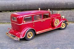Cadillac Deluxe Tudor 1932 #1 (Smallmind) Tags: car vintage miniature model automobile cadillac 118 diecast sunstar