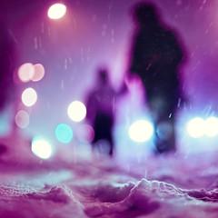 Je suis clectique, je m'oppose  la spcialisation, car un spcialise est : quelqun qui en sais de plus en plus  propo de moins en moins, jusqu' ce qu'il sache tout  propo de rien. (Benoit.P) Tags: winter light snow storm ice true silhouette montral benoit mtl bokeh hiver illusion faux neige troisrivieres mauricie personne flou false tr glace 50mmf14 paille sensation vrai mensonge troisrivires vrit 135mmf2 benoitp benoitpaille