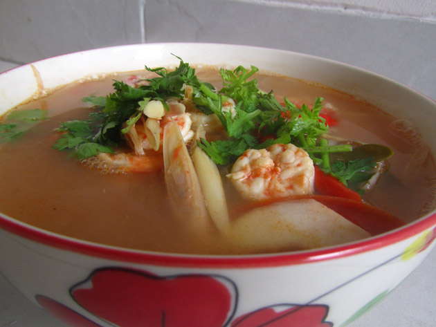 Easy thai tom yum soup recipe sour spicy soup easy thai tom yum soup recipe forumfinder Choice Image