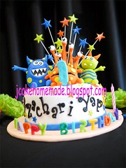 Little monster birthday cake (Jcakehomemade) Tags: blue red orange brown green yellow cake celebration monstercake 1stbirthdaycake funcake partycake childrenbirthdaycake jcakehomemadeblogspotcom jessicalaw littlemonsterbirthdaycake zachariyapsbirthdaycake