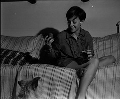 191 (youth_) Tags: portrait blackandwhite 3 girl analog legs filmphotography fujiacross100 olympusom2n