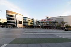 Staples Center -2 (El Trinidad) Tags: california usa building sports architecture losangeles nikon downtown lakers staples staplescenter entertaiment d300s nikond300s