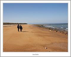 Beach strolling at Kingsbarns (flatfoot471) Tags: people holiday beach rural gavin coast scotland spring fife moira kingsbarns