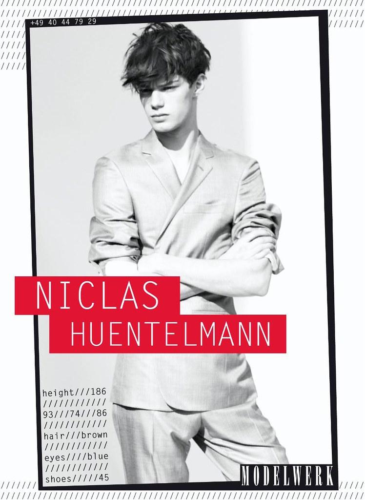 SS12 Berlin Showpackage Modelwerk043_Niclas Huentelmann