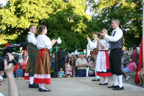 dancing traditional italian