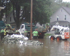 Sandbagging in Cedar Rapids
