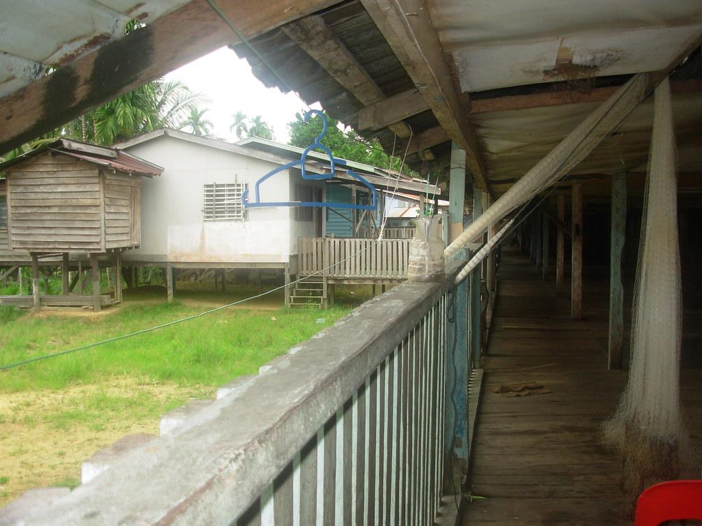 Sarawak-Belaga-LHouses (222)
