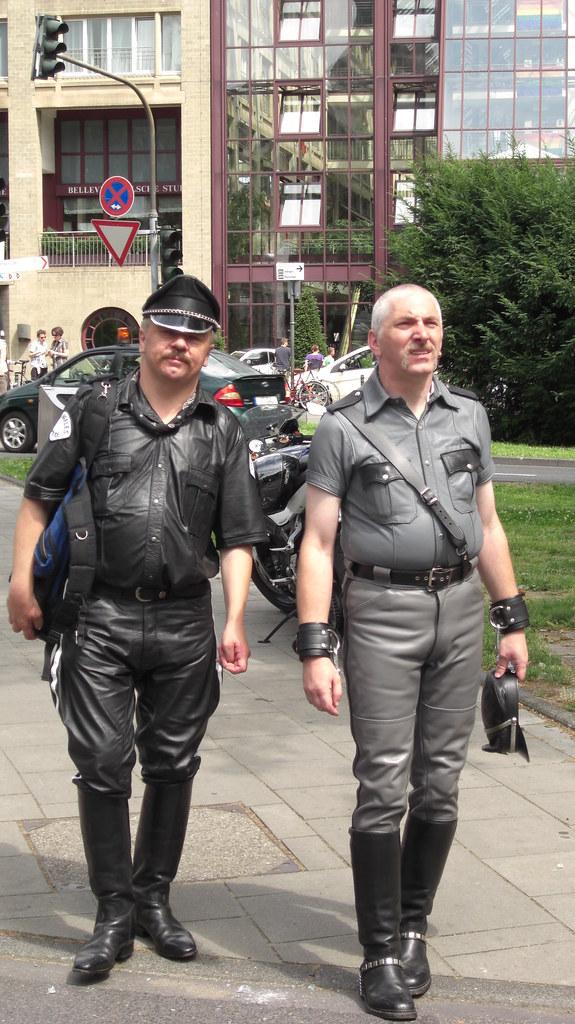Cop gallery gay