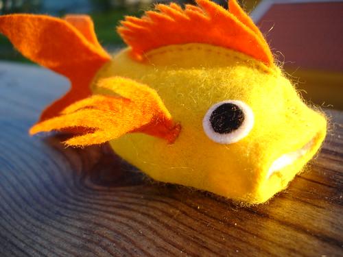 Felt fish to maki