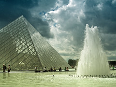Pei Pyramid (edowds) Tags: vacation holiday paris france fountain pyramid louvre july 2008 peipyramid 5photosaday flickrchallengegroup platinumheartaward thechallengegame challengegamewinner