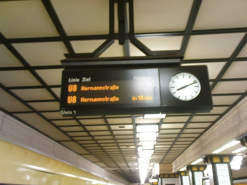 U-Bahn alle 10 Minuten