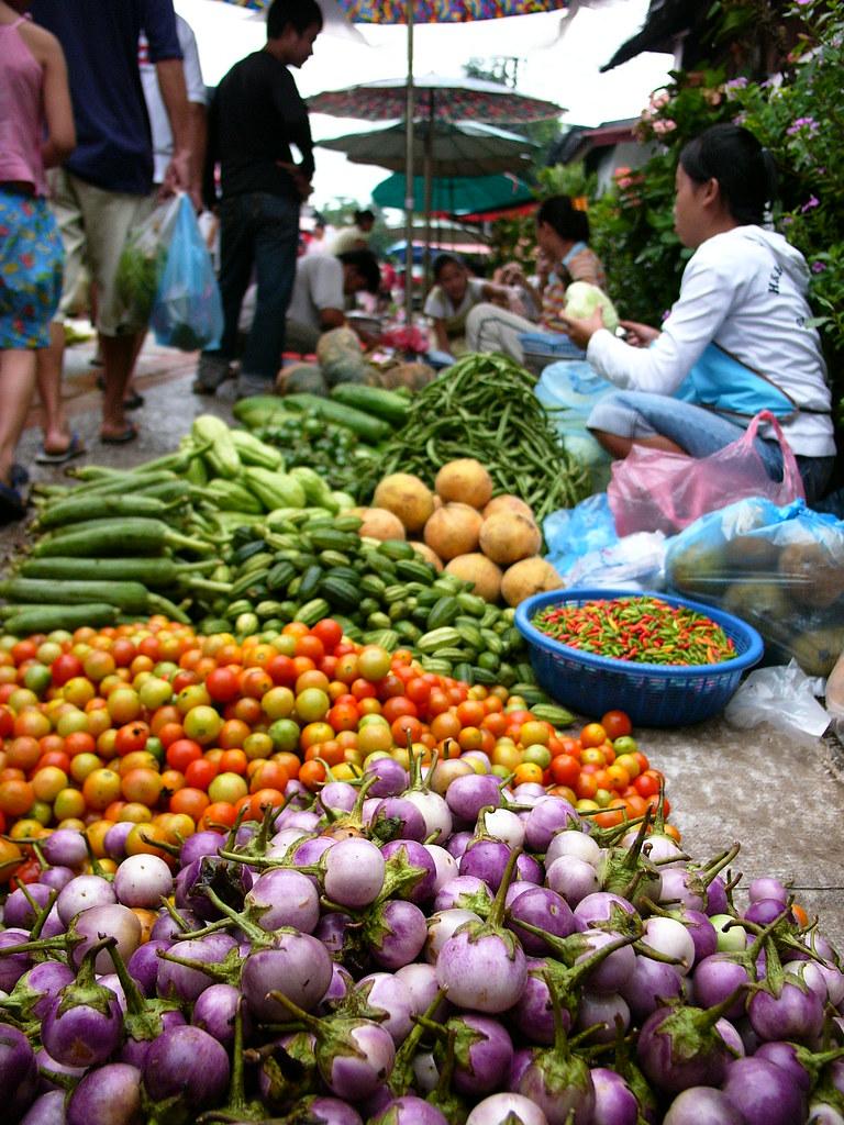Mercado Hmong