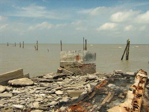 Ruins at Kuala Selangor 2