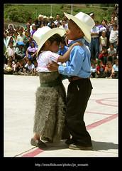 Bailable 110 (-Karonte-) Tags: nikoncoolpix8700 coolpix8700 chenalho indigenaschiapas indigenouschildren niosindigenas altoschiapas josemanuelarrazate