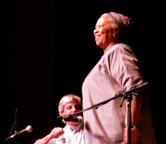 Toni Morrison @ ALOUD, Los Angeles (beastandbean) Tags: writing la losangeles library literary books africanamerican toni writer morrison author aloud novelist readings centrallibrary tonimorrison booksignings nobellaureate femalewriters coolwomen famouswriters losangelescentrallibrary amercy africanamericannovelist davidulin
