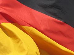 Deutsche Flagge im Wind (Ute Lochner) Tags: rot deutschland gold wind national flagge schwarz deutsch wellen schwarzrotgold windig wehen nationalstolz nationalitt vollformat vollflchig