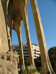 Barcelona 08-11 163 (Deve) Tags: barcelona church spain kirche baustelle gaudí catalunya sagradafamilia constructionsite spanien katalonien gaud