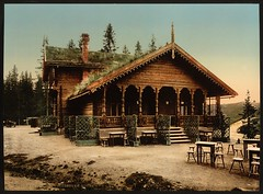 [Fossestuen Hotel, Trondhjem, Norway] (LOC) (The Library of Congress) Tags: roof color norway hotel norge chairs colorized tables libraryofcongress thatchedroof trondheim srtrndelag screens noreg trndelag trondhjem photochrom xmlns:dc=httppurlorgdcelements11 plantsonroof dc:identifier=httphdllocgovlocpnpppmsc06251 fossestuenhotel fossestuen fossestua