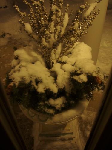 snow urn