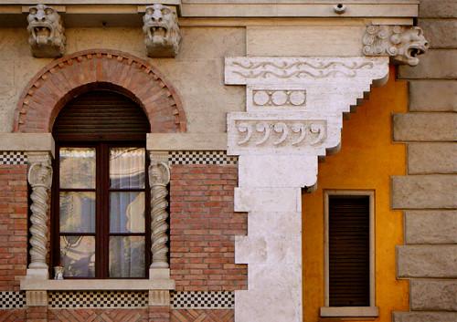 Ventana en Coppedé, Roma