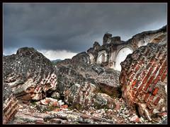Terremoto / Earthquake (drlopezfranco) Tags: church earthquake ruins guatemala iglesia antigua ruinas terremoto sismo sacatepequez larecolección