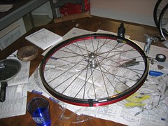 wheel build 1 012 (Andrew183) Tags: wheel velocity mavic aerohead cxp21 wheelbuild1