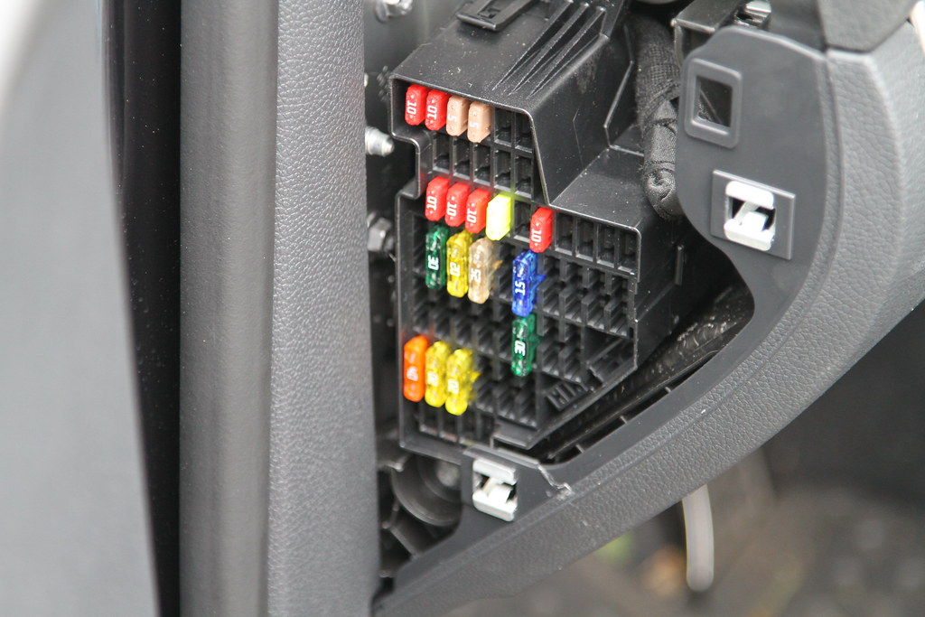 Mk5 Golf Gti Fuse Box : Mk golf gti interior light fuse diepedia
