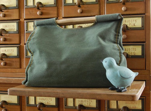 Knitting bag with blue bird