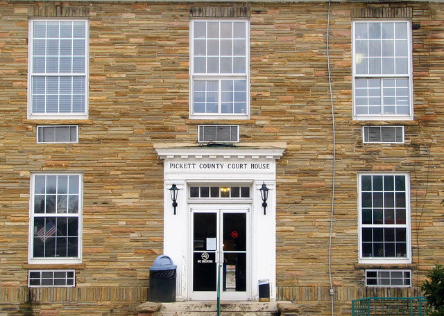 Pickett Co. Courthouse Front Entrance