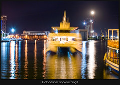 Golondrinas approaching (Santcer) Tags: barcelona espaa canon spain barco bcn canon5d catalunya catalua barna supershot santcer canonef2870mmf28lusmgolondrinas muaaaaac