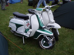 P7060555 (mark & anne's photos) Tags: vespa rally lambretta scooters custom scooterrally bretta ronniebiggs