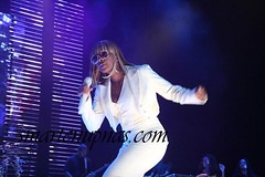 mary j blige dancing