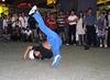 (A.T.E.F.E.H) Tags: رقص آبی مالزی کوالالامپور عاطفه شهشهانی عاطفهشهشهانی شلوارآبی رقصخیابانی کوالا بوکیت بوکینگ