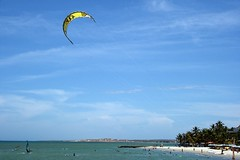 Parasailing (jmven) Tags: beach canon island rebel venezuela playa parasail margarita yaque mosquera xti