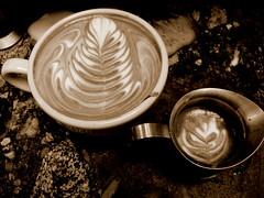 latte art (rellaroo) Tags: coffee cafe latte latteart rosetta alterra