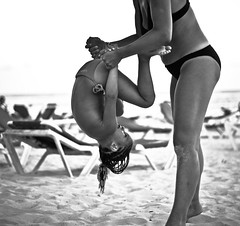 (Alessandro Civera) Tags: white black love beach girl mother beaty bn alessandro bwdreams aplusphoto civera fotografinewitaliangeneration