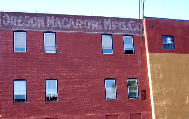 081108_oregon_macaroni_co_wall