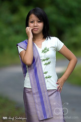 Khampti Teen (Arif Siddiqui) Tags: people india nature girl beauty portraits walking natural traditional hills tribes northeast teenage arunachal lohit tribals arunachalpradesh northeastindia arunachalpradeshindia taikhamti khampti arunachali taikhampti