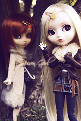 Audrey & Ivy - Pullip Stica & Pullip Zuora (-Poison Girl-) Tags: doll dolls emma meeting ivy audrey wig nyu pullip fiori pullips meet kori bambu keiko aquel xiaofan aimi obitsu junplanning rewigged obitsubody zuora stica pullipzuora sbhm sbhl pullipaquel hauteny pullipstica pullipmeeting pulliphauteny pullipxiaofan pulliphautenyc daldiori hautenyc